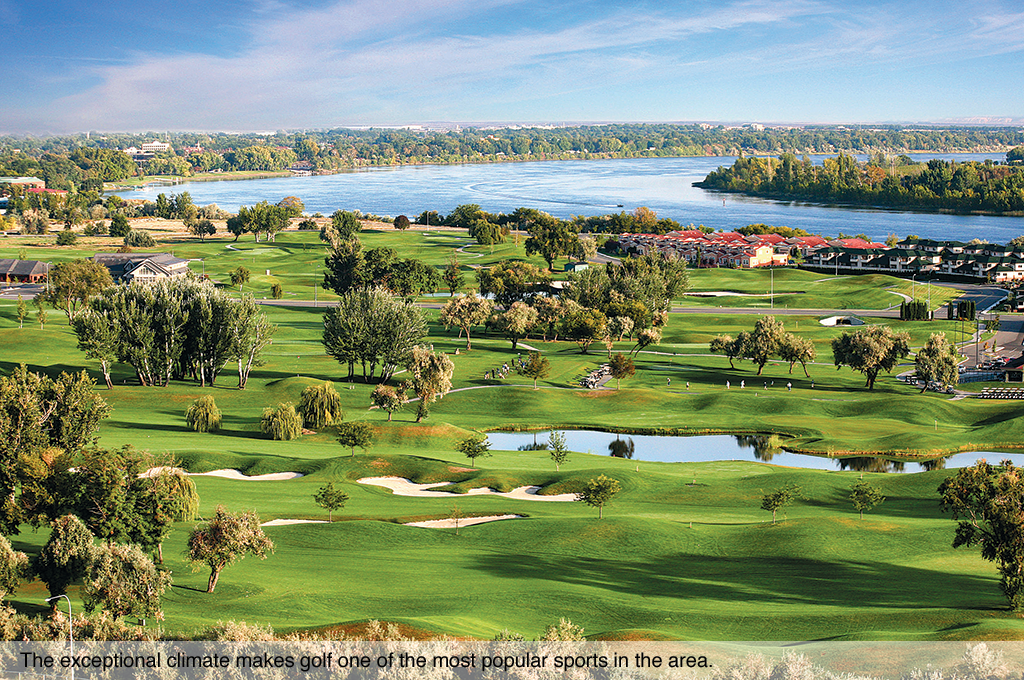The exceptional climate makes golf one of the most popular sports in the area.
